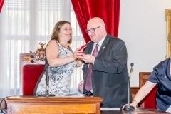 Alcaldesa-Raquel-Tamarit-entrega-Medalla-decano-Jesus-Muñoz